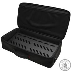 """Педалборд алюмінієвий, 23.75"""" x 10.66"""", з сумкою, отвори в педалборді для кабелів і кріплення для джерел живлення"""